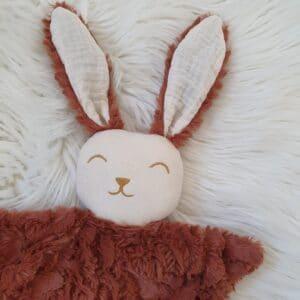 Doudou lapin FOURRURE marron terracotta